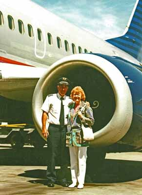 Captain Lee Croissant and wife Barbara - Boeing 737-300